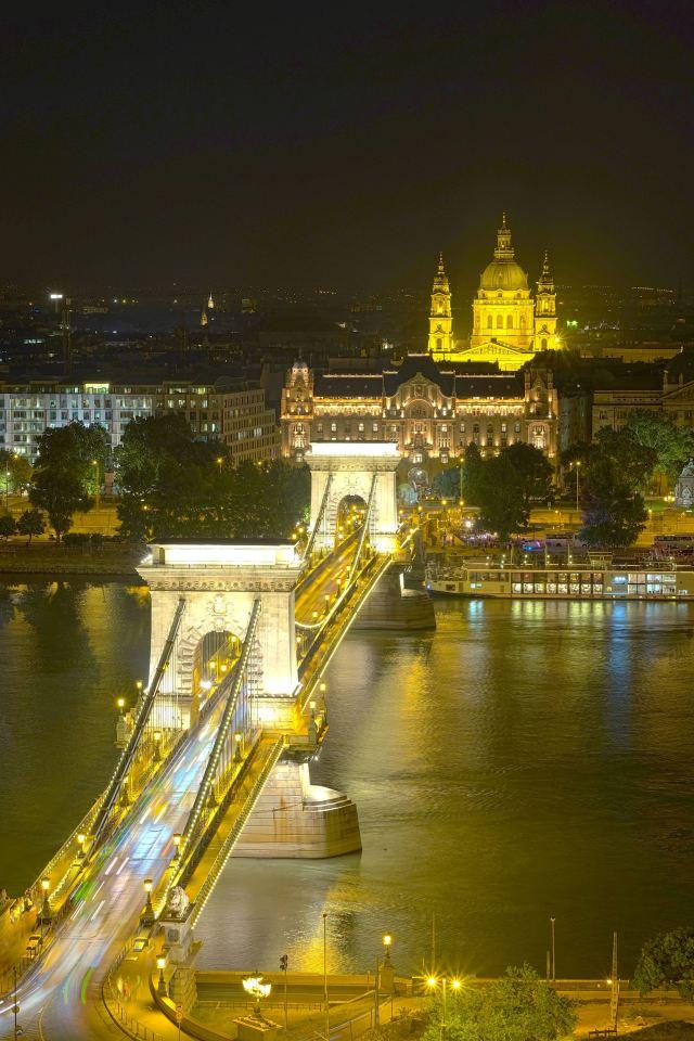 BudapestHDR12